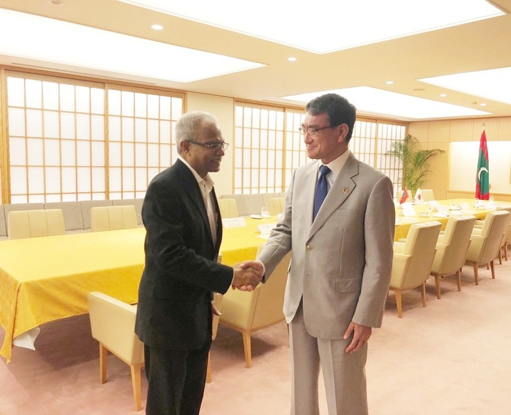 Foreign Minister Asim meets with Foreign Minister Taro Kono Image 1