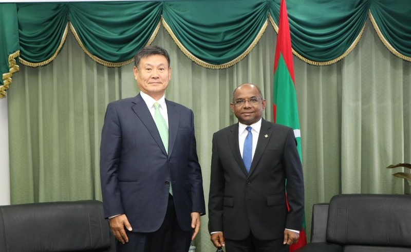 Foreign Minister meets with the Honorary Consul of Maldives  ... Image 1