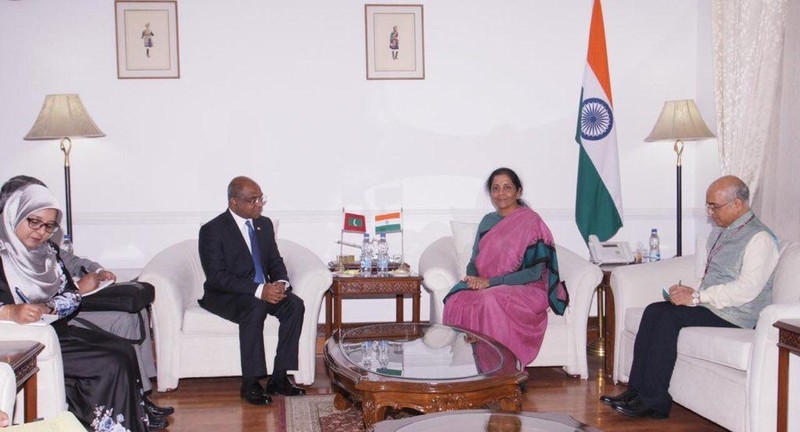 Foreign Minister meets with the Defense Minister of India Image 1