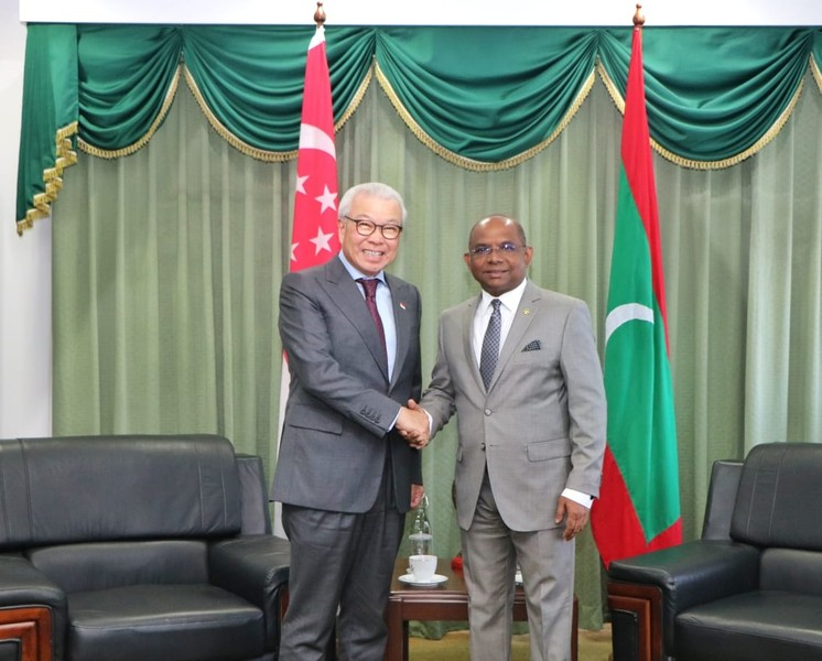 Ambassador of Singapore pays a courtesy call on the Minister ... Image 1
